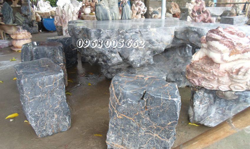 Chọn chất liệu đá nào làm bàn ghế đá tự nhiên sân vườn